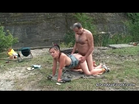 Mature guy fucks hot babe