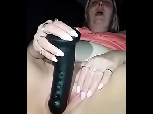 Chamo1972 sucking fucking dildo squirten