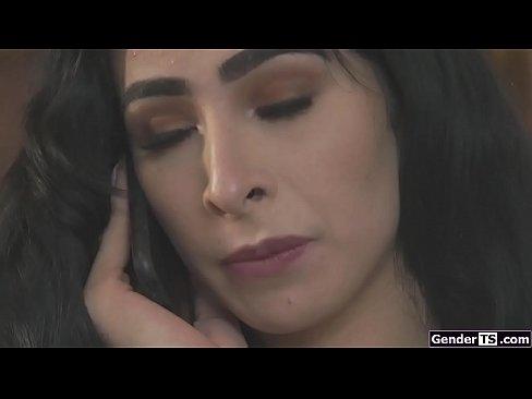 Tgirl Alexa Scout fucks busty latina gf