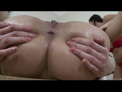 Wild Devil gets her pussy drilled with a dildo - www.xslovenke.si