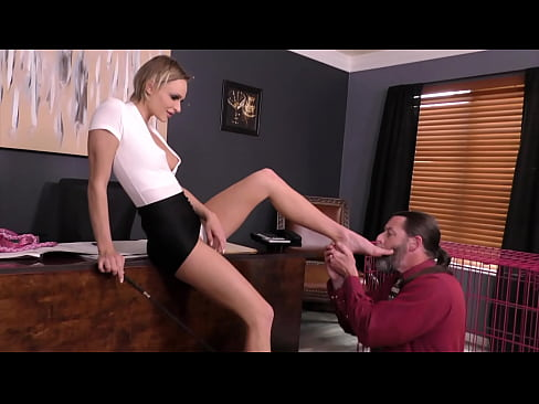 Mean Bitch Boss 2 - Emma Hix