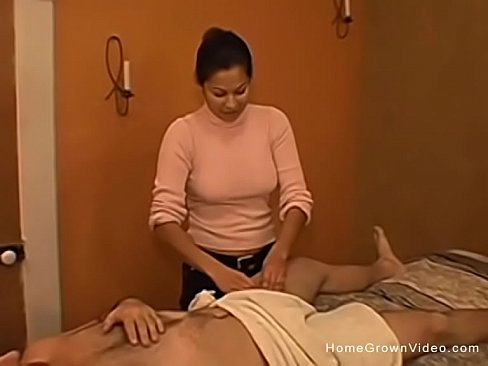 cover video Getting A Handj ob From My Latina Masseuse na Masseuse