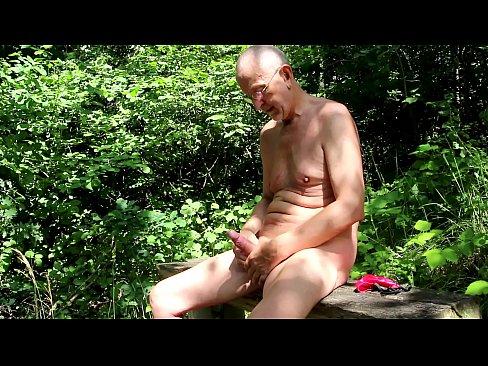 Frauenpenis Grossmutter Outdoor Kuessen