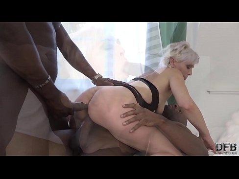 Video sex in toilet