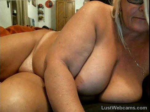 Chubby Mature Masturbates On Webcam Xvideos Com
