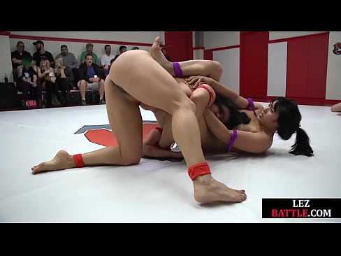 Battling lesbians strapon fuck after tag teaming