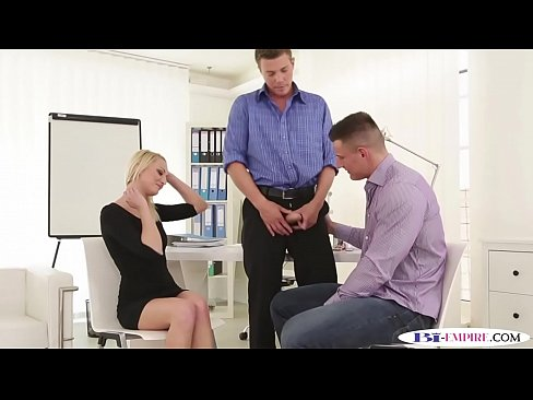 Ripped hunk fucked and gets blown by babe