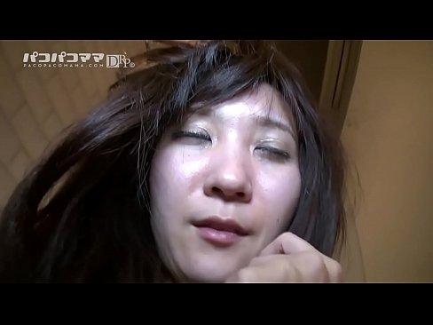 ジャングルみたいな剛毛熟女を主観ハメ撮り 森本洋子 2