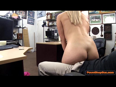 Stripper Gives Lap Dance And Blowjob Xvideos Com