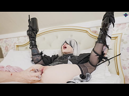 Nier Automata 2B tied up and pussy fucked with a dildo. Karneli Bandi