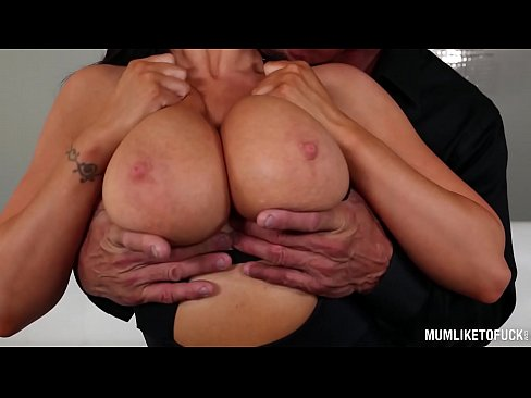 Busty American Milf Romi Rain Orgasms Hardcore From Deep Pussy Penetration