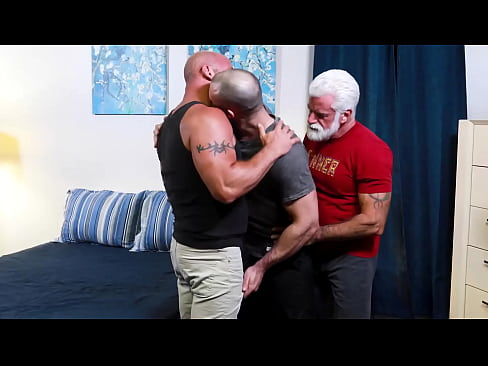 3 muscle daddy bears enjoy 3some in one's bedroom