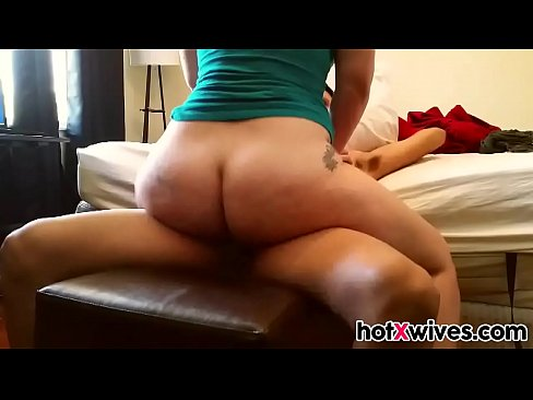 Amateur Cheating Wife Blowjob