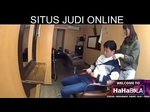 http://hahabola.com/id-ID/Member/Register/?R=BB97AD6C