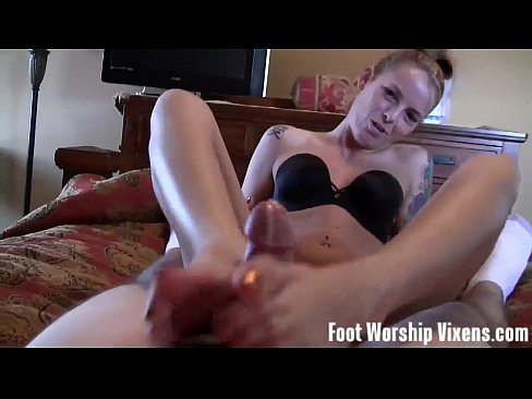 Wiggling and spreading our toes in your face