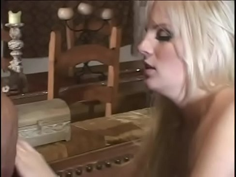 Excellent expirienced blond whore Saana stuffs mouth full of hard dick