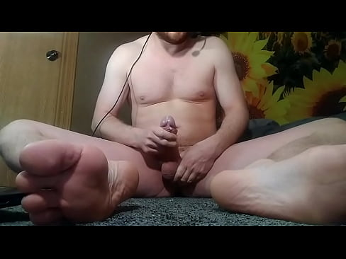 Trashy Ginger Beard Bator Sniffs Poppers and Cums