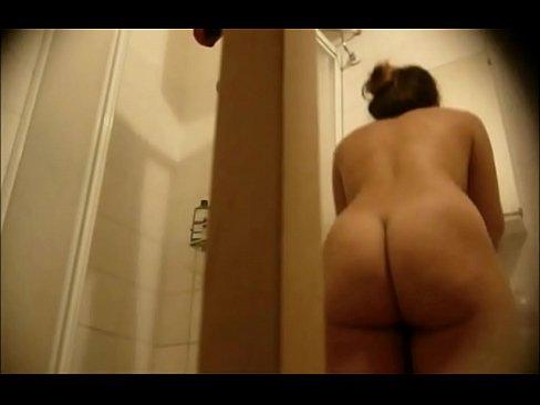 Big ass bathroom spy