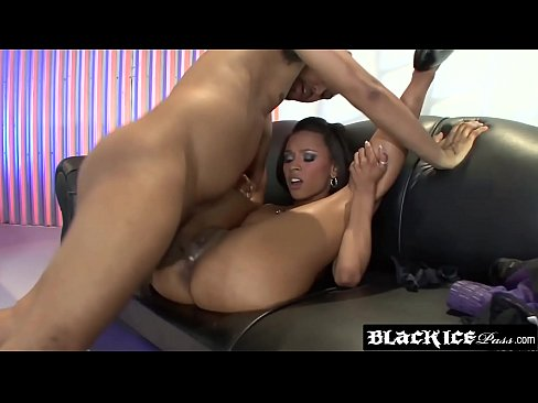 Dashing Porche Carrera twerking on big black cock