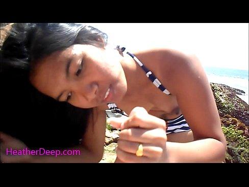หนังอาร์ไทยออนไลน์18+ Heather Deep ถ่ายคลิปอมควยแบบกลางแจ้ง ได้บรรยากาศเสียว อมควยยางพร้อมเปิดเต้านมแบบสยิว - ดูหนังโป๊ Paradox Porn XXX เว็ปโป๊สายพันธุ์หน้าหี แจกคลิปหลุด หนังxญี่ปุ่น แอบถ่ายหี 18+