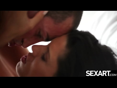 Blowjob beauty gets a powerful fucking and creampie for breakfast