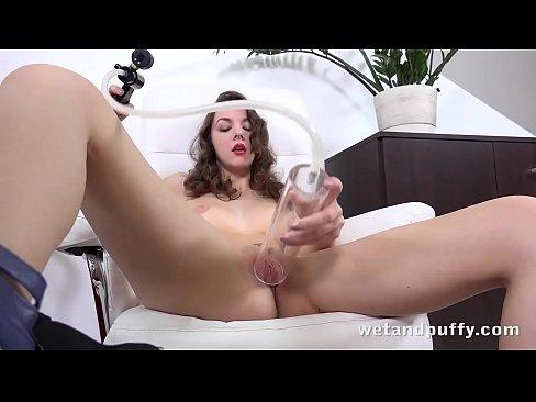 Stunning Rebeca Kubi Enjoys Pumping Her Pussy