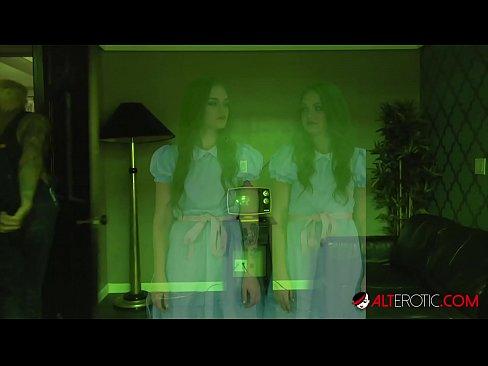 HO HUNTERS - Fucking ghost twins Joey and Sami