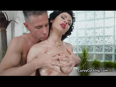 Fucking curvy short haired big tit while all oily