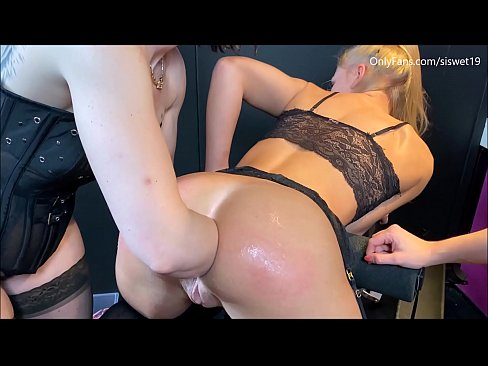 Teenie Breaks her asshole with 3 Fist ** Full Video on OnlyFans.com/siswet19