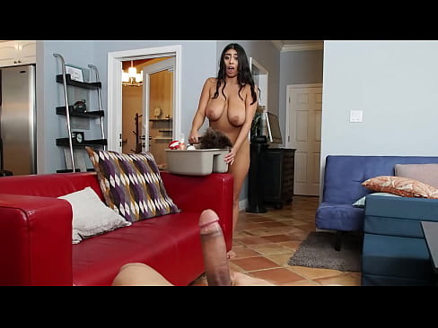 BANGBROS - My Dirty Maid Violet Myers Is So Sexy, I Offer Her Money To Clean Naked