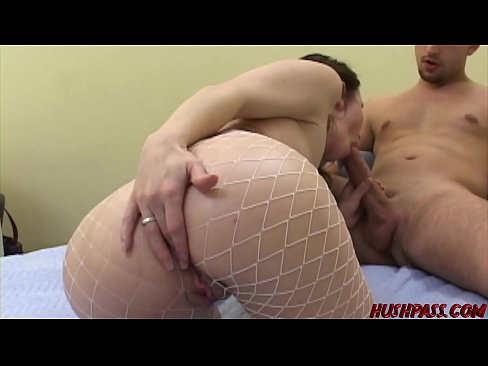 Rayveness Has A Nice Bubble Butt That Gyrates While Fucking