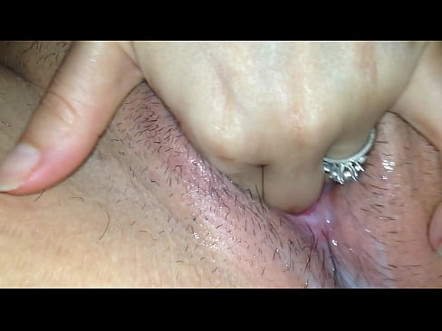 juicy wet pussy play