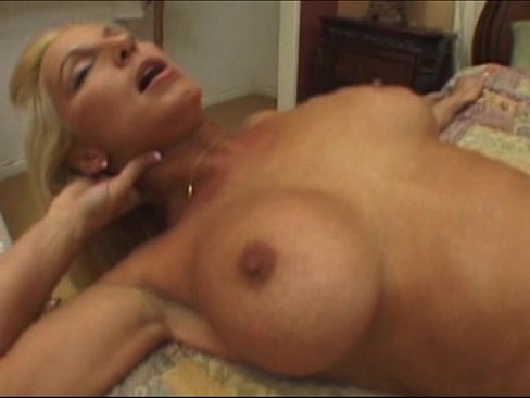 Thick White Girl Squirting