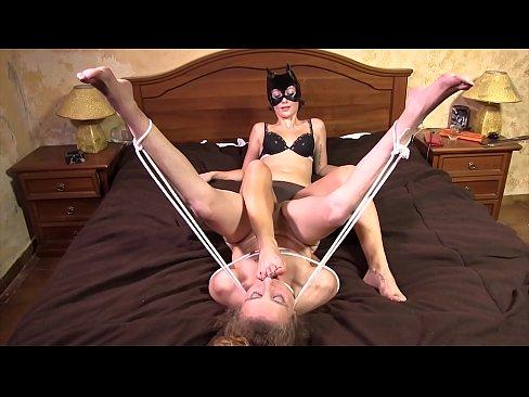 Lesbian Feet Pussy Worship