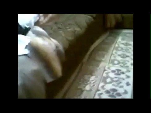 منقبة تعرض بزاز وتجلخ كس مشعر