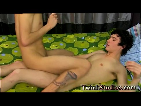 Gay sex twinks eating and creaming cum first time Kenny Monroe has