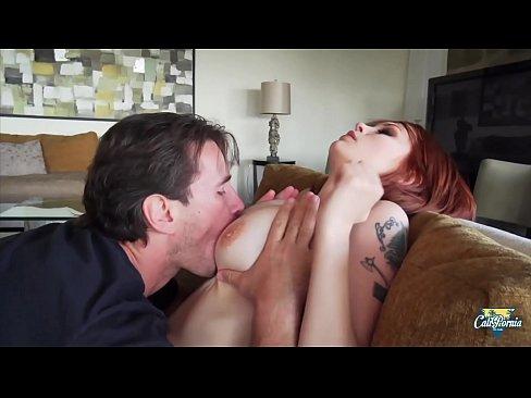 Bree Daniels, rousse aux gros seins adore les grosses bites