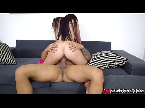 Mandy Muse spread her legs wide open for step bro