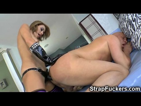 Girl pegging amateur slut