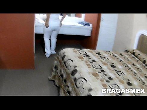 Enfermera Mexicana cojiendo con su amante después del trabajo