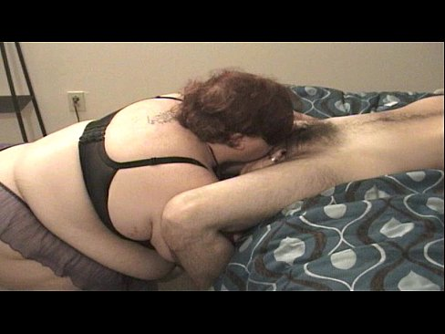 Amateur BBW with nipple clamps deepthroats to completion in throat - XVIDEOS.COM
