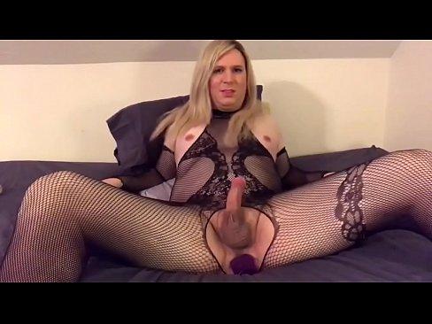 Budding trans pornstar Jessica Jasmine takes dildo