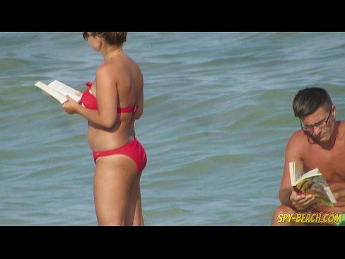 Mature Nudist Amateurs Beach Voyeur - MILF Close-Up Pussy
