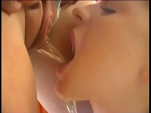 a feleségem leszbikus pornót néz
