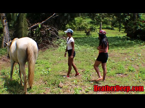 HEATHERDEEP.COM TEEN Girls vs Horse size cock