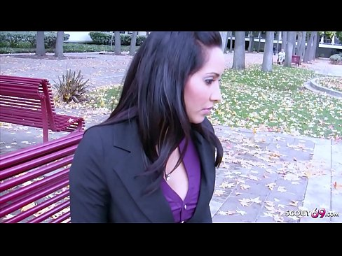 HOT MOM ISIS TALK TO FUCK AT REAL STREET PICKUP CASTING