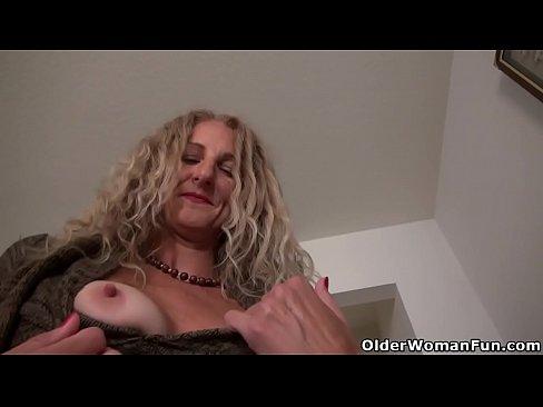 cover video american milf l  auren demille flaunts her tan flaunts her tann launts her tann