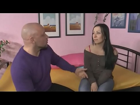 Stiefvater bestraft die Stieftochter - HD Stepdaughter fucks and blows