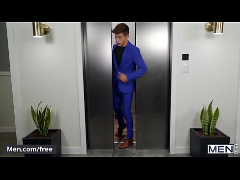 Stud (JJ Knight) Eats Out Twinks (Joey Mills) Tight Small Butt Pounds Him In An Elevator - Men