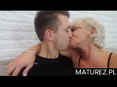 starsze kobiety młodzi mężczyźni seks